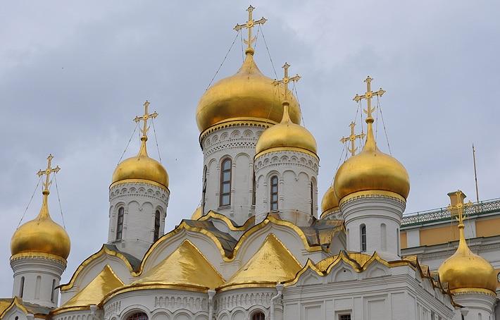 Kopuły jednego z soborów na Kremlu