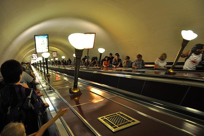 Głbokie stacje metra w Sankt Petgersburgu