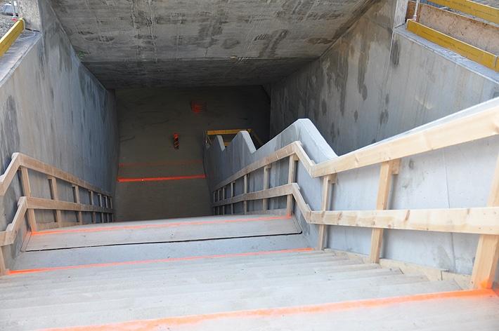 Wejście na stację metra Rondo ONZ