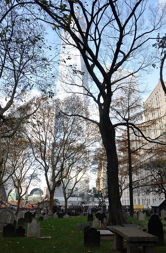 One WTC widok z St. Paul's