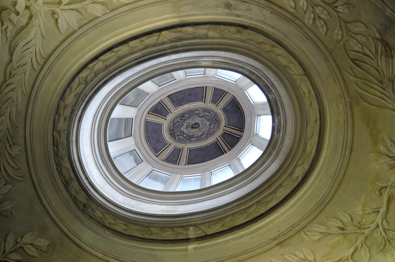 Świetlik w bazylice Świętego Piotra
