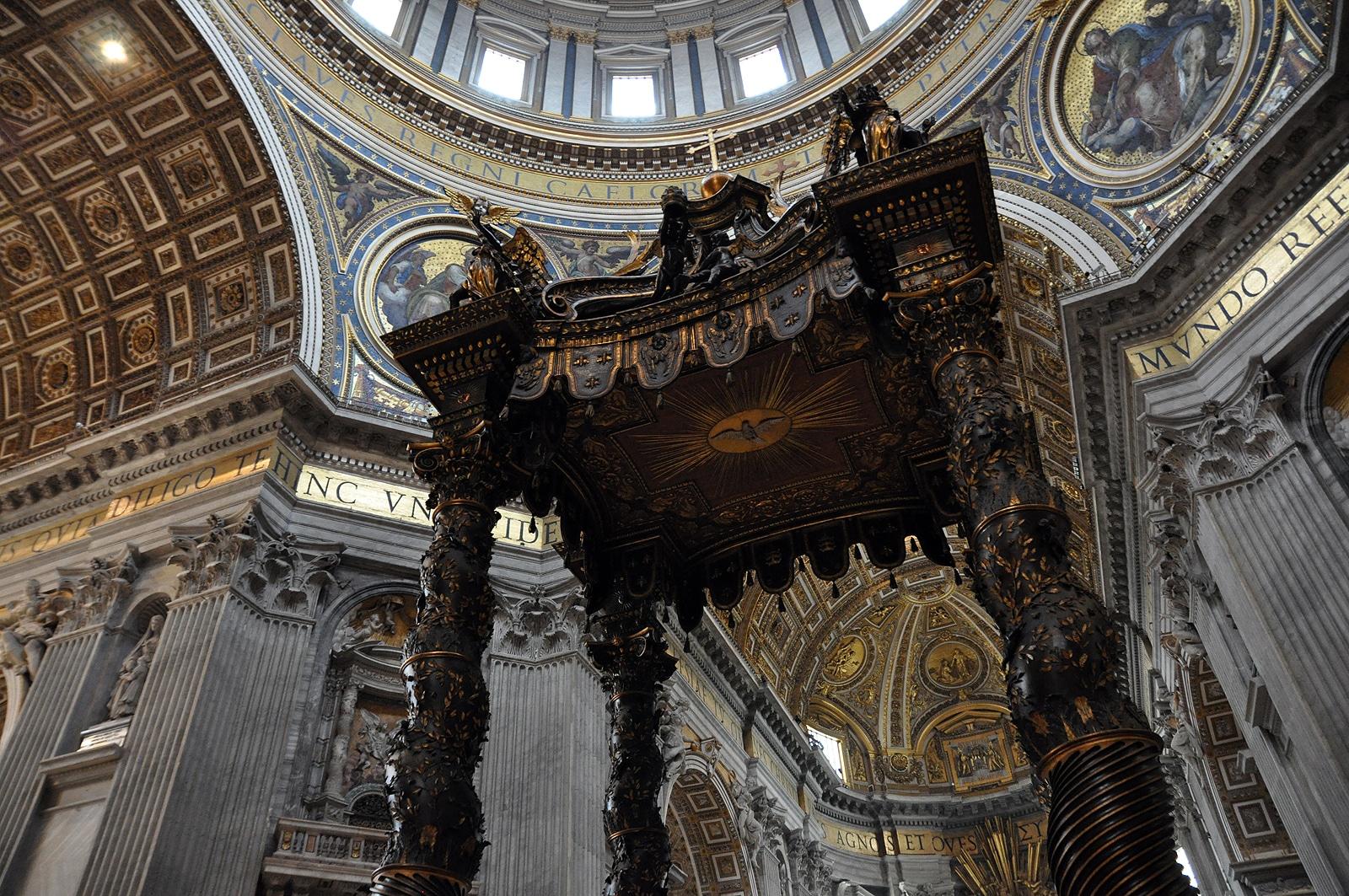 Baldachim nad grobem Świętego Piotra