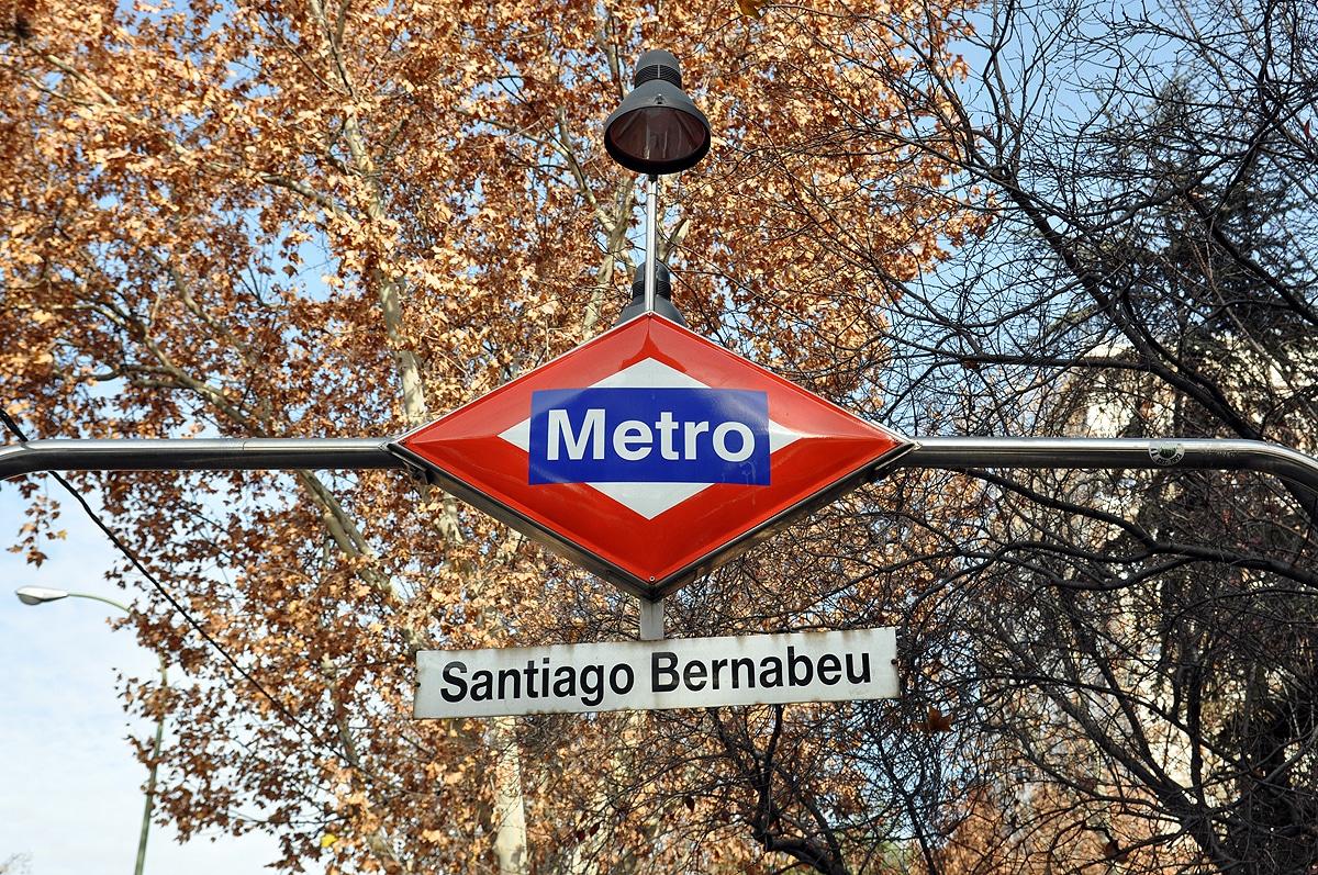 Stacja metra Santiago Bernabeu