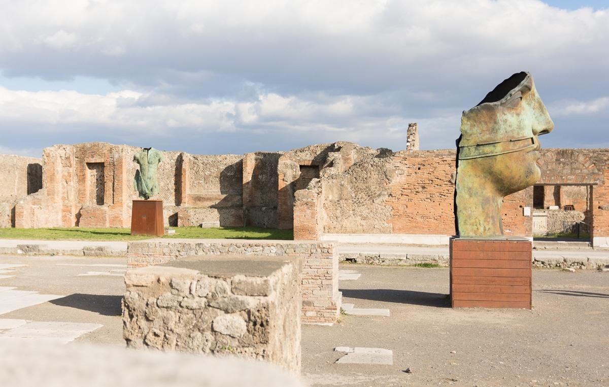 Mitoraj w Pompejach