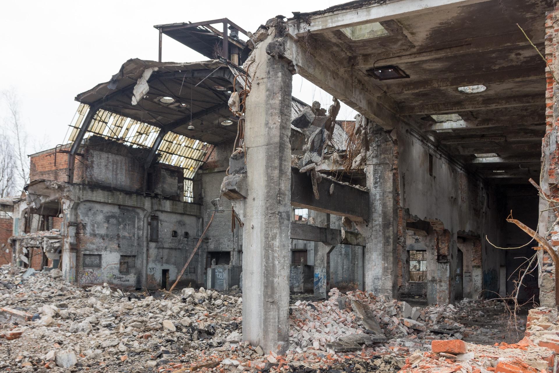 Dawne hale produkcyjne w Ursusie