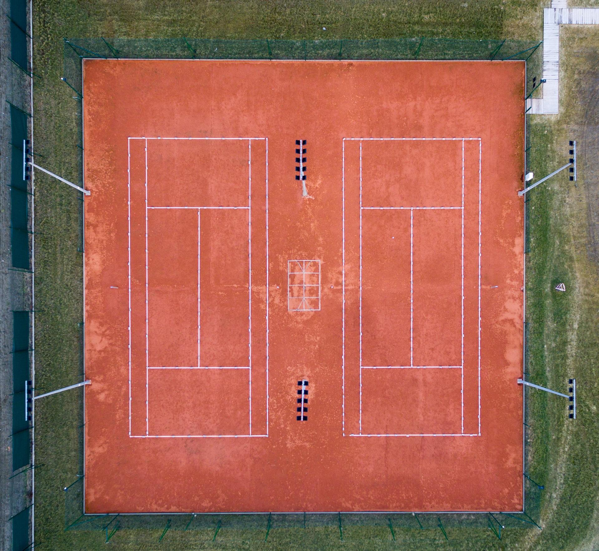 Korty tenisowe z drona