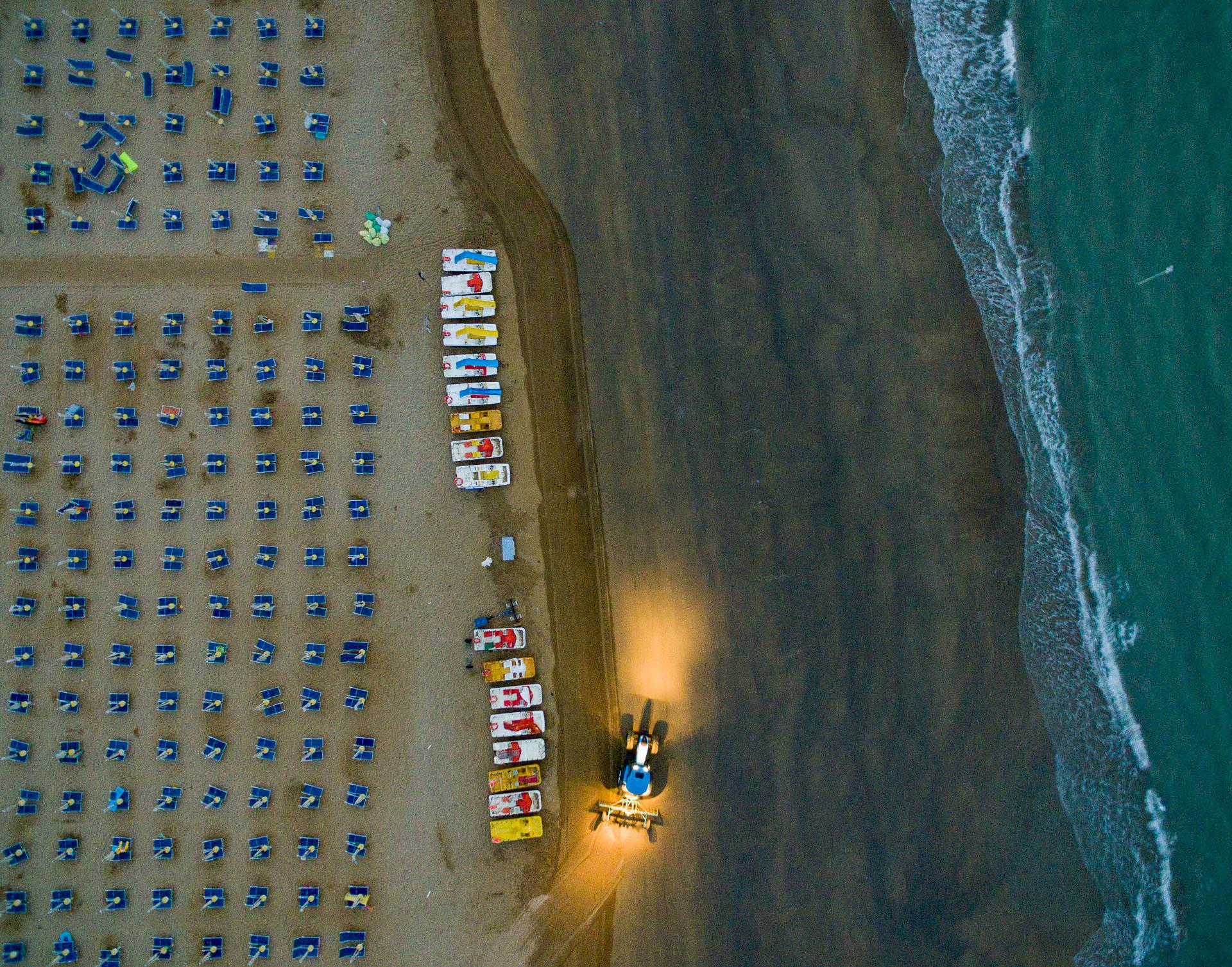 Równanie plaży w Bibone