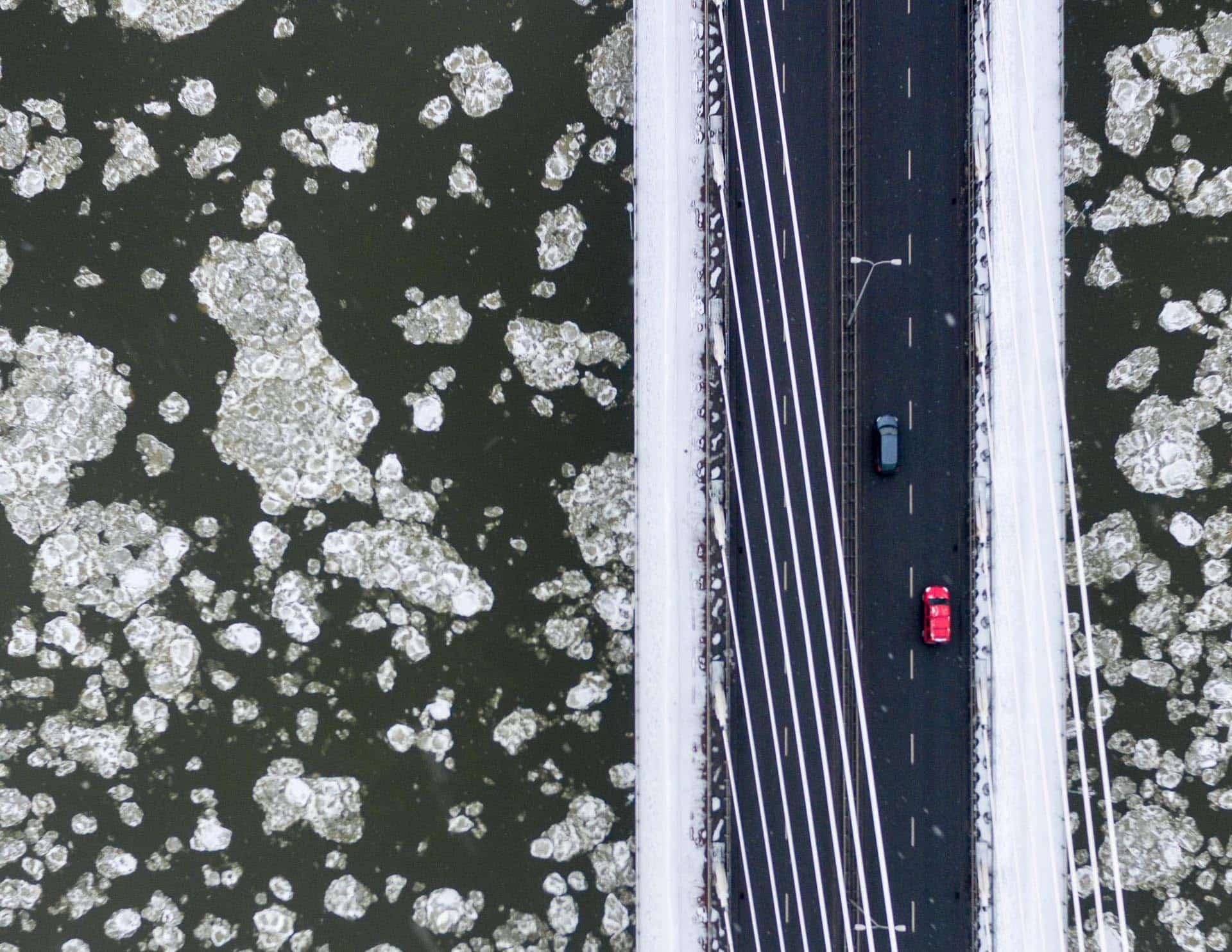 Most Świętokrzyski zimą