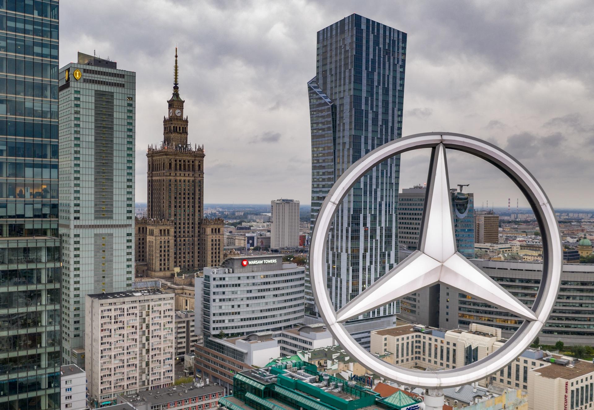 Wieżowiec Ilmet w Warszawie z drona
