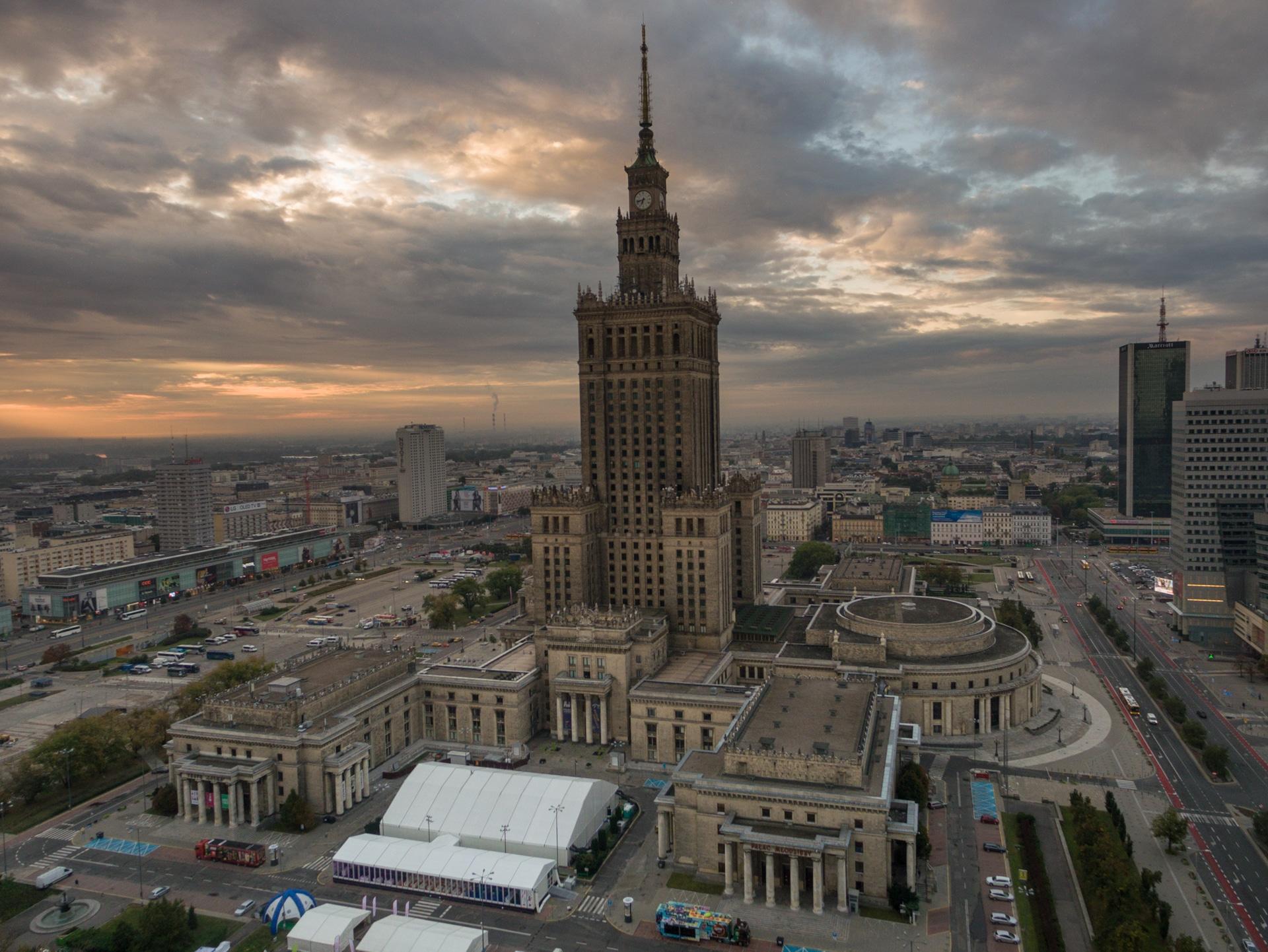 Wschód słońca w Warszawie