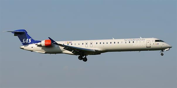 Bombardier CRJ-900 fot. Kuba Bożanowski (CC)