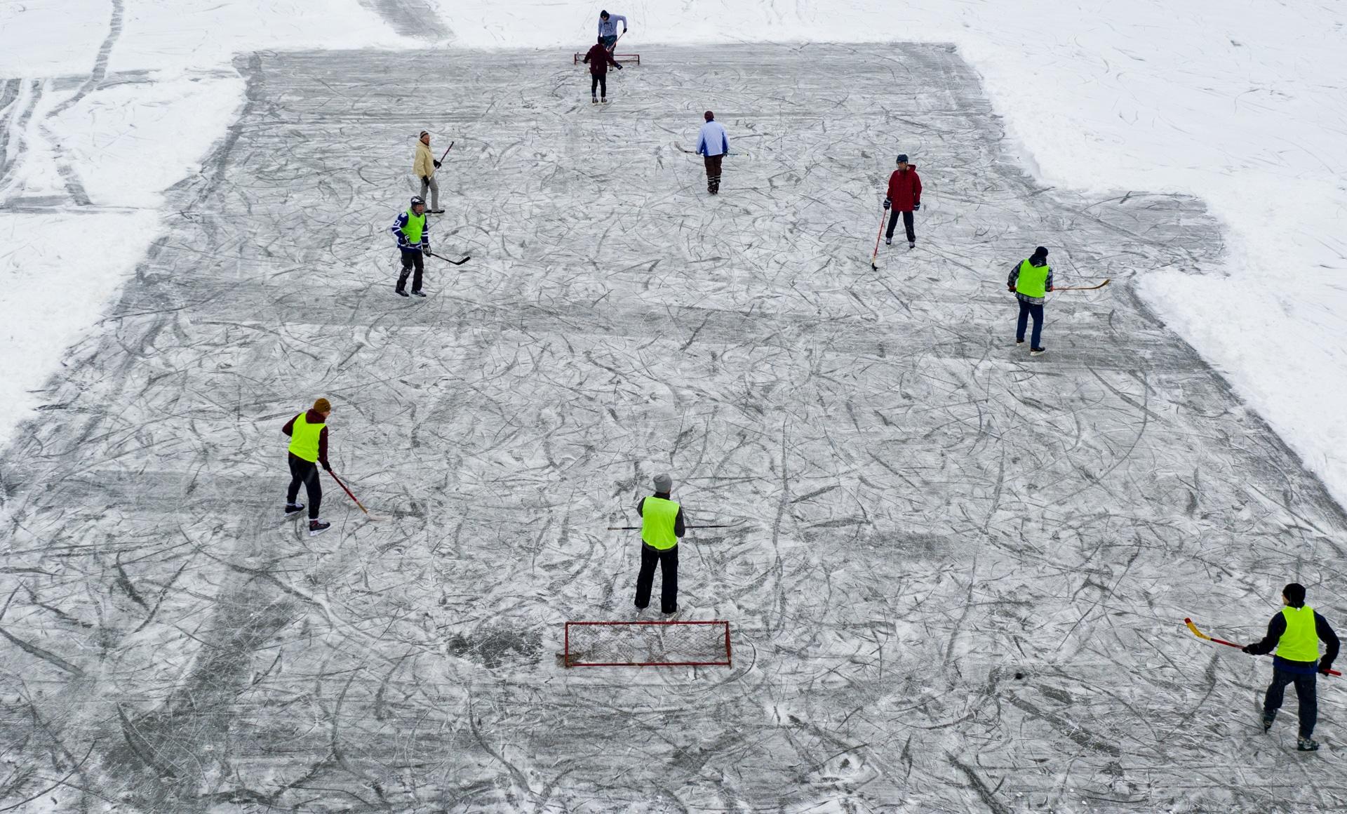 Hokej na Zalewie w Komorowie