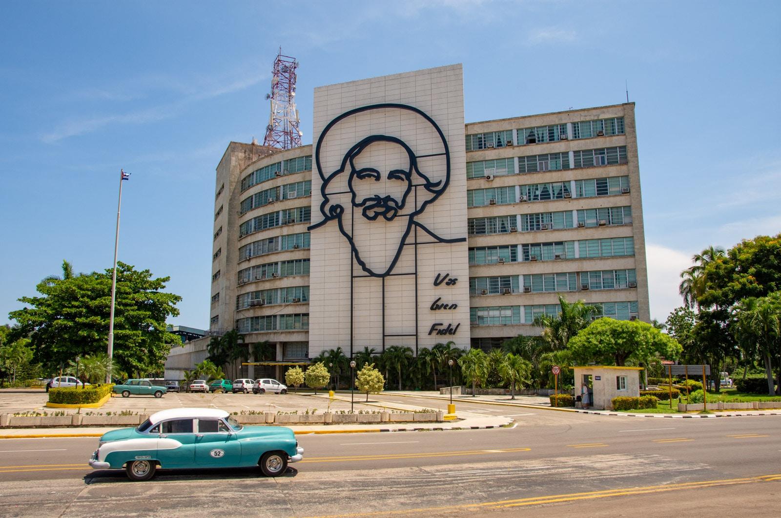Camilo Cienfuegos - Plac Rewolucji w Hawanie