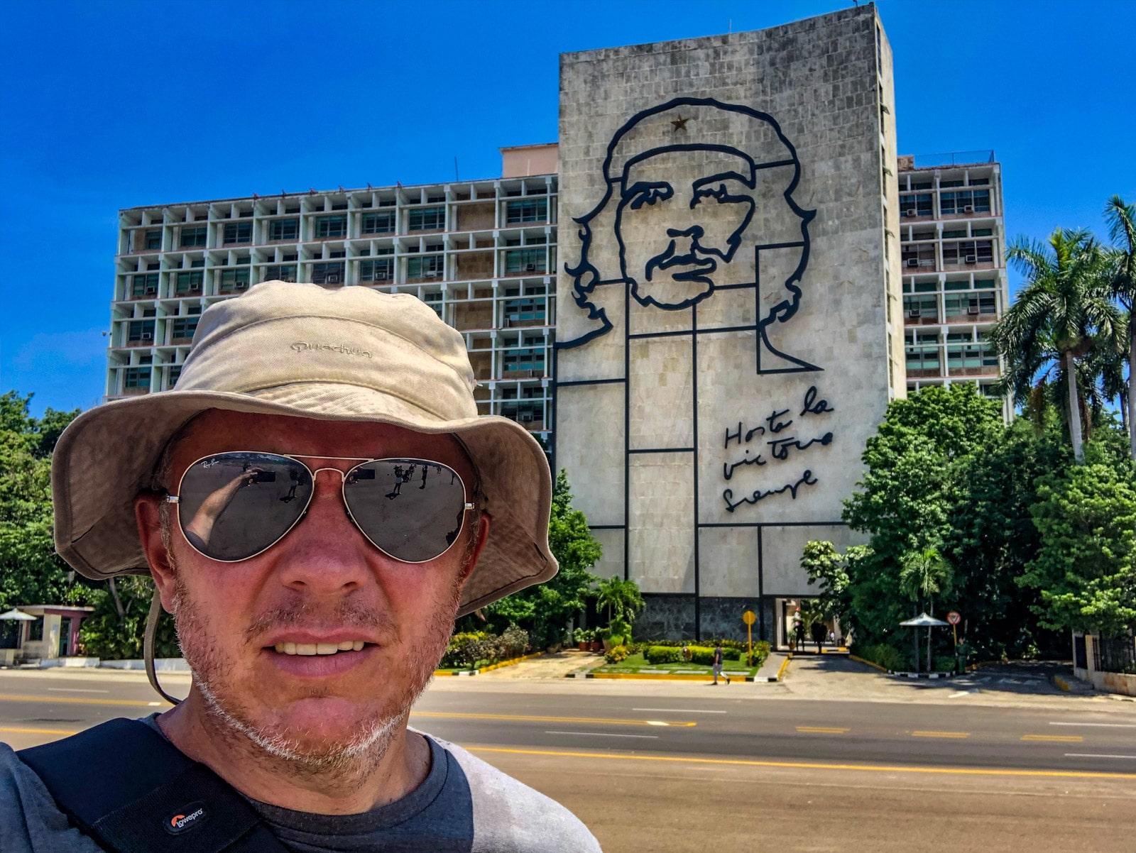Plac Rewolucji w Hawanie i Che Guevara