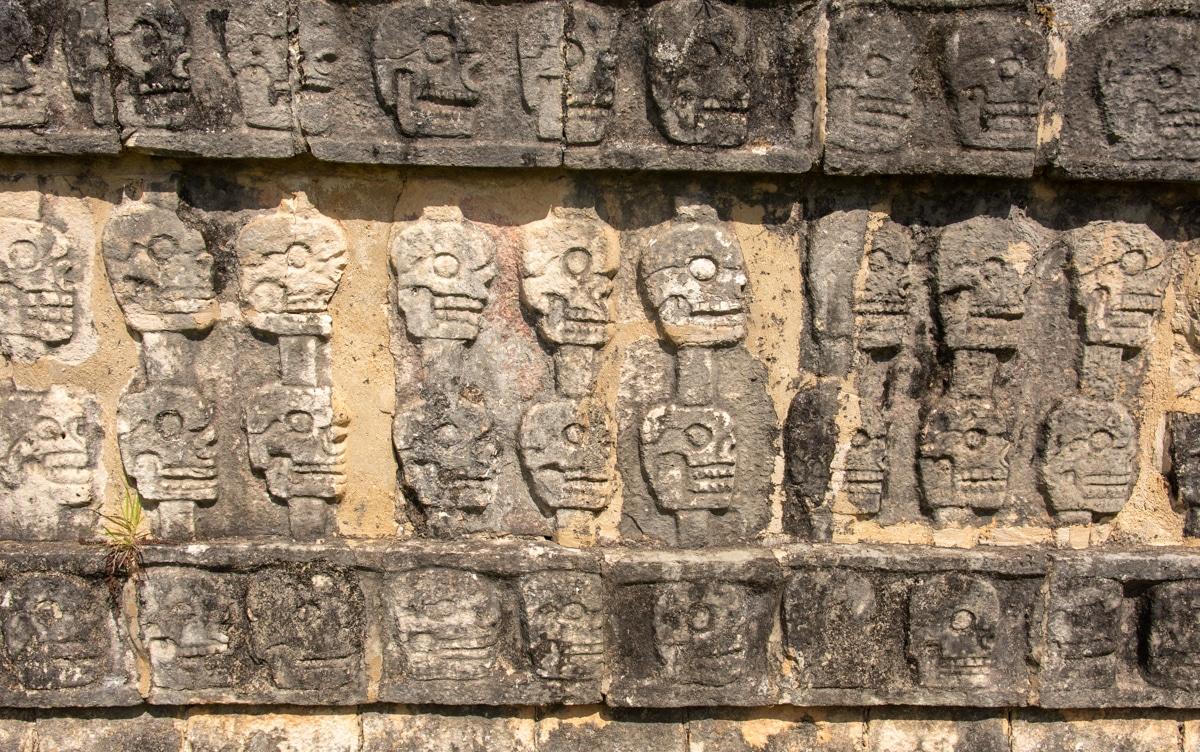 Reliefy Ołtarza Czaszek