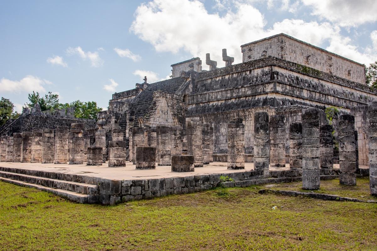 Świątynia Wojowników – grupa Tysiąca Kolumn